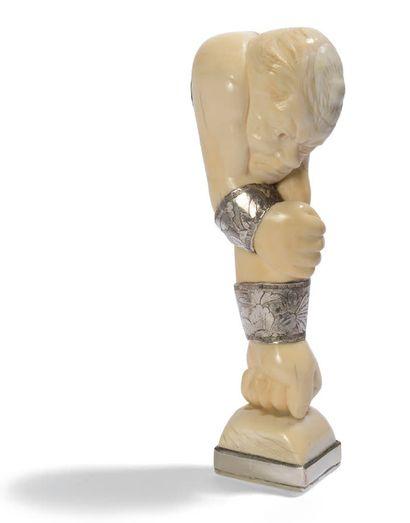 Double cachet en argent chiffré GB et gravé d'une minerve. La prise en ivoire, sculptée...