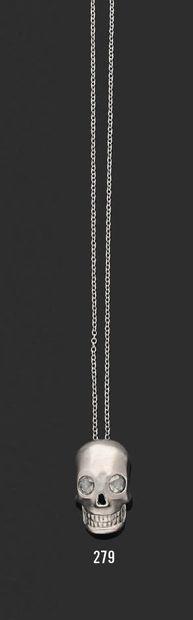 Pendentif «tête de mort» en or gris 18K (750),...