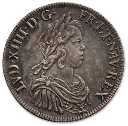 Écu à la mèche courte. 1643. Paris. D. 1461....