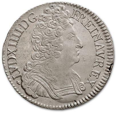 Écu aux trois couronnes. 1709. La Rochelle....