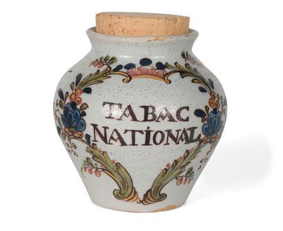NORD. Pot à tabac en faïence, décor polychrome...
