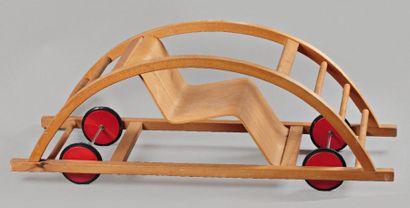 HANS BROCKHAGE (1925-2009) ET ERWIN ANDRA (NÉ EN 1921) Voiture ou fauteuil à bascule...
