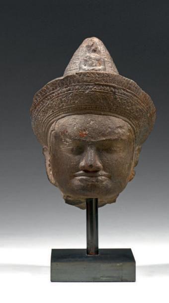 Tête de bouddha Sculpture en pierre patiné...
