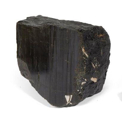Tourmaline noire  Pakistan  16 x 15 cm