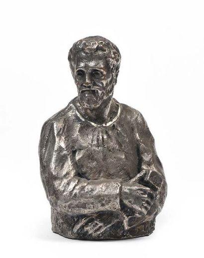 Tommaso GISMONDI (1906 - 2003) Le charpentier Joseph Sculpture en bronze argenté....