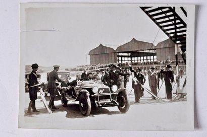 Mussolini sur Alfa Romeo 1750 vers 1930....