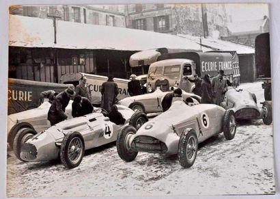 Ecurie France au GP de Suède 1947. 5 voitures...