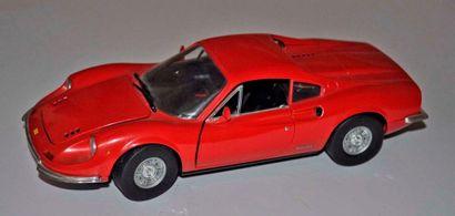 Maquette FERRARI Dino 246 GT, échelle 1/...