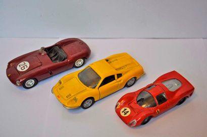 Lot de 3 miniatures FERRARI: Dino 246 GT,...