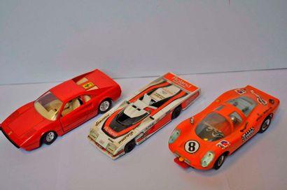 Lot de 3 maquettes de Prototypes: Dome, Porsche proto, Ferrari 308, échelle 1/2...