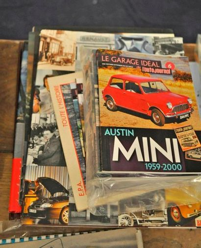 Lot de 21 livres et magazines divers: Peugeot: Coupés et Cabriolets (ETAI) + 2CV...