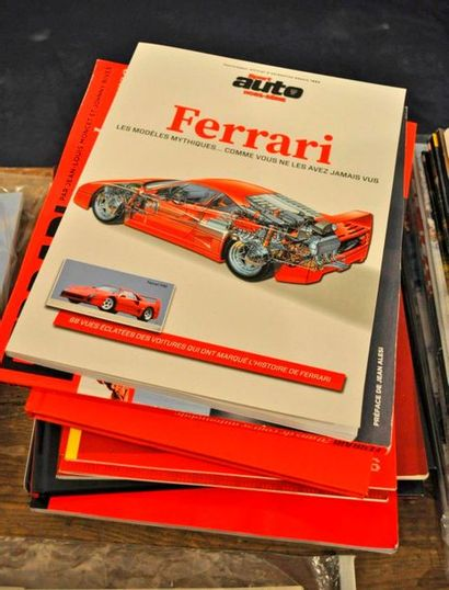 Lot de 12 volumes FERRARI: La piste FERRARI de Fiorano (plans) + Ferrari F430( hors...