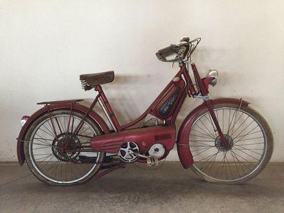 MONET GOYON vers 1950. Bicyclette à moteur...