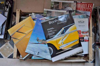 Lot de 103 catalogues de ventes aux enchères...