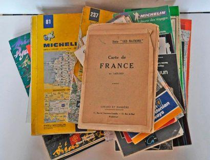 Lot de 40 cartes Michelin et plan diverses...