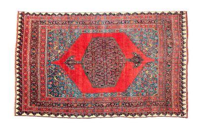 Important et original tapis BIDJAR (Perse),...