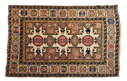 LESGHI (Caucase), fin du 19e siècle  Trois...