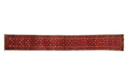 Grande Galerie MELAYER (Iran) vers 1980. Dimensions: 525 x 068 cm. Caractéristiques...