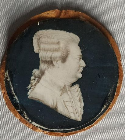 Miniature on ivory in grisaille representing...