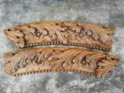 2 beautiful oak elements carved XVIII° style....