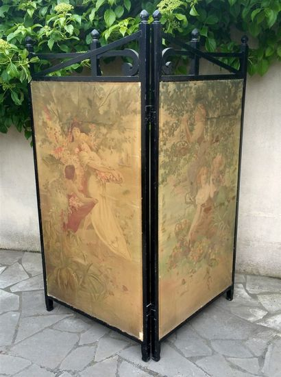 Screen with 2 sheets with 2 lithographs on...
