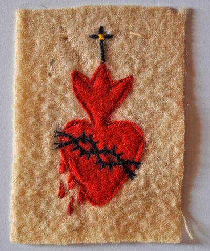Sacré cœur en tissu, symbole des combattants...