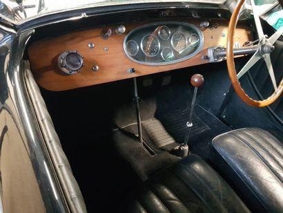 BUGATTI 49 Cabriolet – 1930 - LOT RETIRE DE LA VENTE! Suivant la Bugatti 44, la plus...