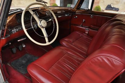 MERCEDES 220 S Cabriolet - 1957 Mercedes produit sous la gamme W180, la ligne « Ponton...