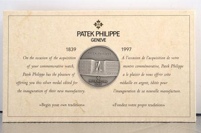 PATEK PHILIPPE RECTANGLE PAGODE / COMMEMORATIVE 1997 – OR JAUNE RÉF. 5500J, vers...