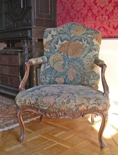 Large fauteuil à dossier plat en bois naturel...