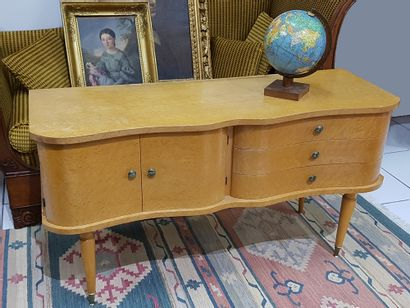 Petit meuble bas Art-Déco en bois clair 3...