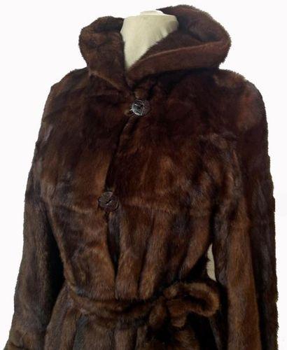 Superbe Manteau Vison réversible + capuche et ceinture. Taille 40/42