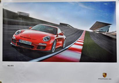PORSCHE 911 GT3. Affiche 75x100cm PORSCHE...