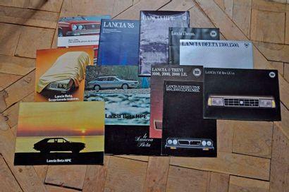 Lancia. Lot de 14 brochures publicitaires,...