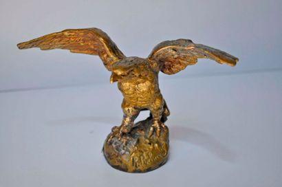 P. RICHARD. L'aigle. Bronze signé. Ht. 11cm,...