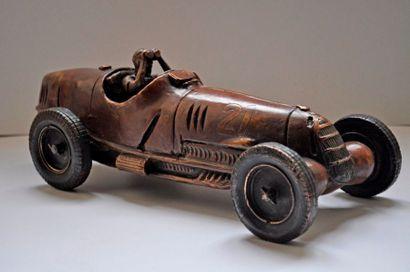 F. CHEVALIER. M. FANGIO sur Alfa Roméo. Bronze...