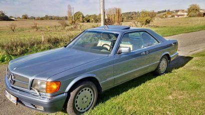 MERCEDES 560 SEC - 1989 La coupé 560 SEC, moteur 300cv, V8, es le haut de gamme de...