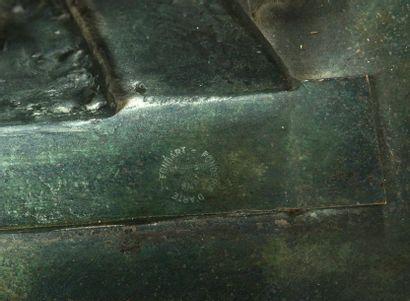 Bruno ROMEDA (1933-2017) Cercle, 1999 Sculpture en bronze à patine verte signée,...