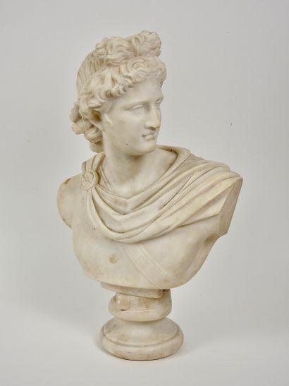 Buste en marbre reconstitué représentant...