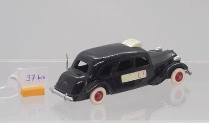 NOREV - France - 1/43e - Plastique (1)  # 15 - CITROËN 15/6 cyl. POLICE  Noire,...