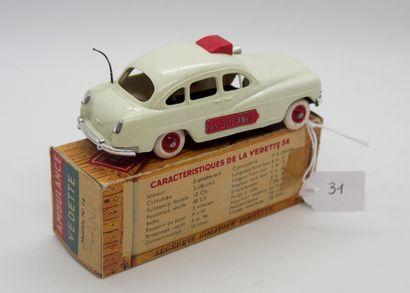NOREV - France - 1/43e - Plastique (1)  # 14 - FORD Vedette Ambulance  Blanche,...