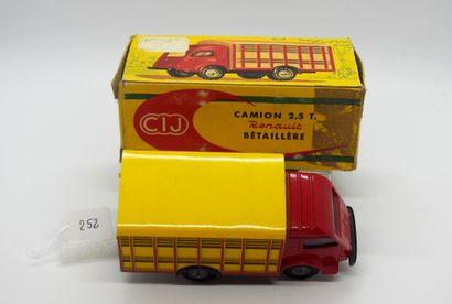 CIJ - France - 1/43e - Métal (1)  # 4/50 RENAULT GALION 2,5 t BÉTAILLÈRE  Jaune...