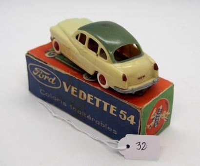 NOREV - France - 1/43e - Plastique (1)  TRES RARE !  # 2 - FORD Vedette bicolore...