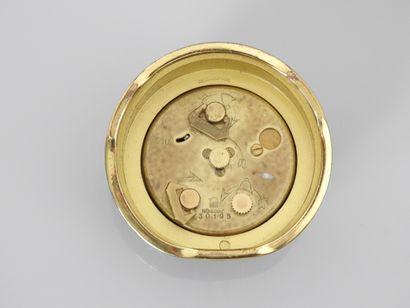 CARTIER, Pendulette de bureau en métal doré et gainage cuir noir, 750 MM, cadran...