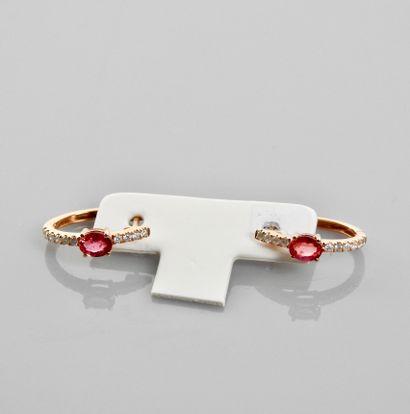 Elégantes créoles d'or rose, 750 MM, ornée...
