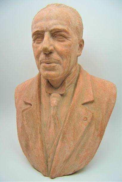 50 - Henri d'ORLÉANS Comte de Paris. Buste...