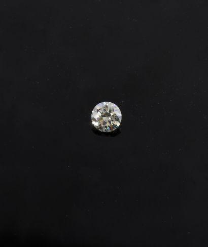 Diamant sur papier pesant 5,02 carats taille...