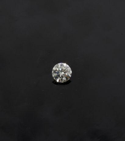 Diamant sur papier pesant 3,10 carats taille...