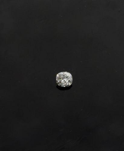 Diamant sur papier pesant 1,66 carat taille...
