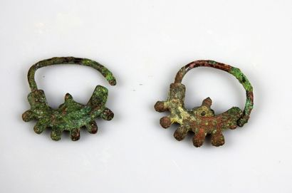 Paire de boucles d'oreilles  Bronze 2.5 cm...